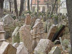 Prague - Old Jewish Cemetery Nov2004-2 - Joodse begraafplaats - Wikipedia