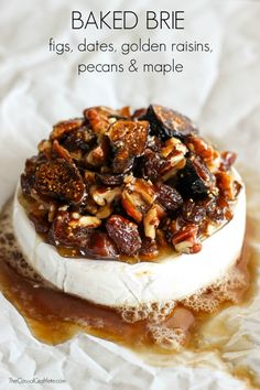 I'll leave out the nasty raisins. BAKED BRIE with figs, dates, golden raisins, pecans & maple is an easy to make and delicious appetizer recipe. Great for parties! Baked Brie Recipes, Fig Recipes, Cooking Recipes, Baked Brie Toppings, Brie Cheese Recipes, Yummy Appetizers, Appetizers For Party, Appetizer Recipes, Baked Brie Appetizer