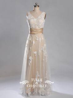 images/Danielle-Customized-charming-long-wedding-dress-with-V-neck-and-wide-belt-p-TCCMD1018.jpg