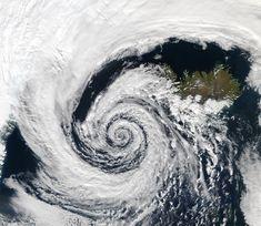 Low pressure system over Iceland - Spirale logarithmique — Wikipédia Fibonacci In Nature, Spirals In Nature, Fractals In Nature, Maths In Nature, Logarithmic Spiral, Spiral Pattern, Golden Ratio, Space Photos, Patterns In Nature