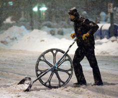 amazingly awesome snow shovel