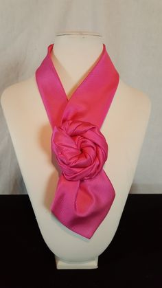 Sewing Collars, Old Ties, Head Scarf Tying, Women Bow Tie, Tie Crafts, Ways To Wear A Scarf, Tie Quilt, Tie Styles, Fabric Ribbon