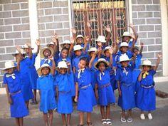 Girl Guide/Scout Uniforms Country: Madagascar Organisation: Skotisma Zazavavy Eto Madagasikara Association: Fanilon'I Madagasikara Section: Hanitriniala Ambozontany Fianarantsoa Daisy Girl Scouts, Boy Scouts, Madagascar, Guides Uniform, Gs World, Brownie Guides, Girl Scout Uniform, Girl Scout Badges, Girl Scout Camping
