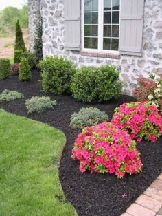 Astounding Make Your Front Home Beautiful With Flower beds Ideas: 80 Best Inspirations http://decorathing.com/garden-ideas/make-your-front-home-beautiful-with-flower-beds-ideas-80-best-inspirations/