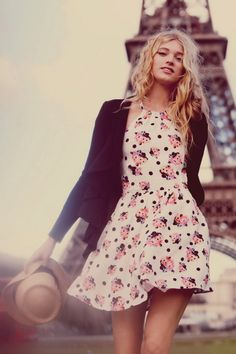 Parisian chic CLICK THE PIC and Learn how you can EARN MONEY while still having fun on Pinterest