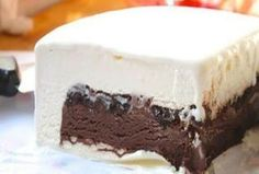 Homemade Ice Cream Cake (Like Dairy Queen) Make Ice Cream Cake, Ice Cream Desserts, Frozen Desserts, Frozen Treats, Dairy Queen, Cake Recipes, Dessert Recipes, Greek Sweets, Sandwiches