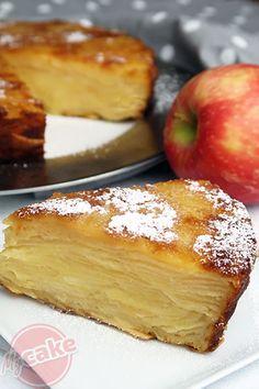 Le Gâteau Invisible, un gâteau aux pommes délicieux ! Crockpot Recipes Cheap, Cake Recipes, Dessert Recipes, Ww Desserts, Portuguese Recipes, Food Cakes, Cheap Meals, How Sweet Eats, Us Foods
