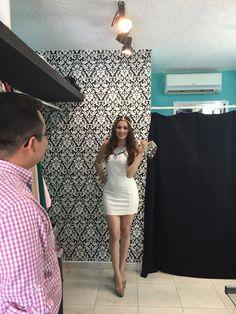 Photoshoot para Cotorreo Estudiantil para el periódico La Opinión! Miss universidad. White dress. Poza Rica