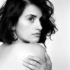 Penelope Cruz photographed by Brigitte Lacombe in Paris, 2002