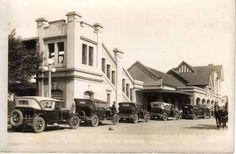 Estación Lomas de Zamora (FFCC Gral. Roca) año 1940 aprox Street View, Rocks, Parking Lot, Buenos Aires