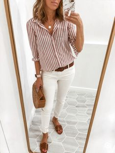 casual outfits for work ~ casual outfits . casual outfits for winter . casual outfits for work . casual outfits for women . casual outfits for school . Summer Work Outfits, Business Casual Outfits, Casual Summer Outfits, Spring Outfits, White Jeans Outfit Summer, Office Outfit Summer, Winter Outfits, Mode Outfits, Jean Outfits