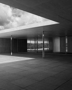 Mies Model Study V (Black & White), 2013. Image © Joachim Brohm
