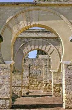 Conjunto Arqueológico Madinat al-Zahra, ciudad califal omeya del siglo XI en Córdoba.