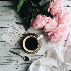68 Ideas book and coffee photography inspiration cups for 2019 Flat Lay Photography, Coffee Photography, Photography Flowers, Clothing Photography, Theme Design, Peony Colors, I Love Coffee, Coffee Cafe, Art Classroom