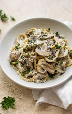 This easy mushroom pasta recipe is loaded with good stuff: white wine garlic Dijon mustard butter lemon juice parmesan cheese and cream. It's simple to make and the sauce is ridiculously tasty. Vegetarian Recipes, Cooking Recipes, Healthy Recipes, Vegetarian Diets, Healthy Nutrition, Healthy Food, Healthy Eating, Spinach Stuffed Mushrooms, Spinach Mushroom Pasta
