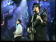 """ROY ORBISON """"Crying"""" w/ K.D. LANG - 1988 Top of the Pops - nothing beats watching them sing together!"""