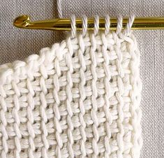 Tunisian Crochet Basics - the purl bee тунисское вязание Crochet Basics, Knit Or Crochet, Learn To Crochet, Crochet Crafts, Crochet Hooks, Crochet Tutorials, Knitting Basics, Single Crochet, Tunisian Crochet Blanket
