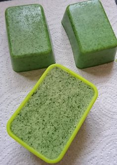 Savon Soap, Mosaic Flower Pots, Soap Tutorial, Natural Beauty Recipes, Diy Spa, Upcycled Crafts, Natural Face, Soap Recipes, Home Made Soap