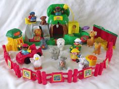 FISHER PRICE LITTLE PEOPLE ZOO PLAY SET/ FUN SOUNDS / ANIMALS/ FIGURES AND MORE