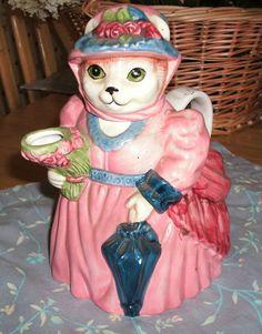 Cat Tea Pot that I bought from shopgoodwill.com