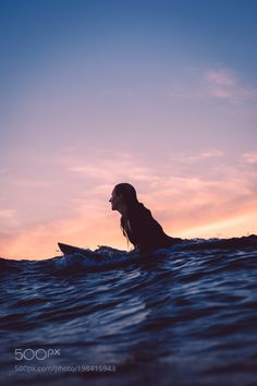 Bali surfer girl on fire by Kalle LundholmYou can find Surfer girls and more on our website.Bali surfer girl on fire by Kalle Lundholm Beach Aesthetic, Summer Aesthetic, Surf Hair, E Skate, Surfer Girl Style, Surfing Pictures, Surf Style, Big Waves, Surfs
