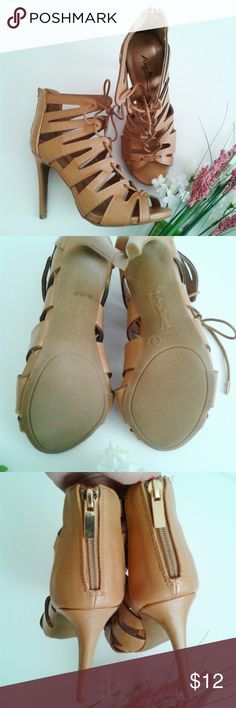 """Anne Michelle brown strappy sandals brown strappy sandals with back zipper Size 5.5 but fits more like a 6.5 
