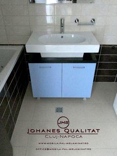 Tendințele în evoluția designului de mobilier, propuse de specialiști Johanes Qualitat din Cluj, aduc în prim plan atât modele clasice reinterpretate, cât, mai ales, modele inovative care să asigure pentru Dumneavoastră confortul și funcționalitatea la cote maxime.
