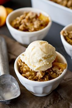 Fresh Peach Crisp Recipe– Fresh, juicy peaches are topped with oats, brown sugar and pumpkin pie spice to create a delicious summer dessert!