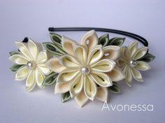 Crisantemos blancos por Avonessa en Etsy, $20.00