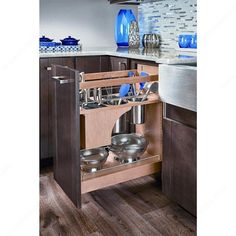 Base Pull-Out with Blumotion, Utensil Bins, and Knife Block - Richelieu Hardware