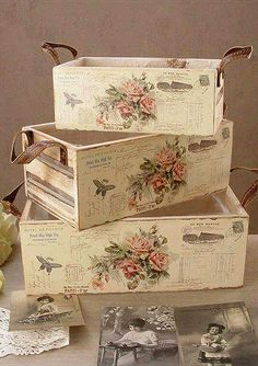 23 Clever DIY Christmas Decoration Ideas By Crafty Panda Decoupage Vintage, Decoupage Wood, Decoupage Furniture, Shabby Chic Furniture, Shabby Chic Crafts, Shabby Chic Decor, Diy Crafts To Sell, Home Crafts, Deco Retro