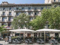 Abritel Location Barcelone, Penthouse plat et terrasse dans le centre et exclusif Rambla Catalunya. Penthouse plat, 1 chambre, 1 salle de bain, 1 salon, 1 terrasse (pour 2 personnes). Cet appartement calme et confortable est situé sur l'étage attique d'un immeuble classique du 19e siècle avec un concierge.