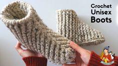 Crochet Beginner Boots / Slippers For Men And Women just over super chunky yarn hook Easy Crochet Slippers, Crochet Slipper Boots, Crochet Socks, Crochet Men, Crochet Boots Pattern, Crochet Patterns, Crochet Ideas, Back Post Double Crochet, Crochet Instructions