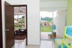Departamento muestra. Showroom, Divider, Windows, Furniture, Home Decor, Window, Interior Design, Home Interior Design, Fashion Showroom