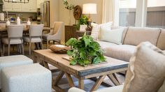 Hip - Kathy Ann Abell Interiors | San Diego, Califronia | Transitional | Robins egg blue | Neutral | Livingroom