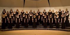 Image from http://www.singers.com/group/images/SaintMarysCollegeWomensChoir.jpg.