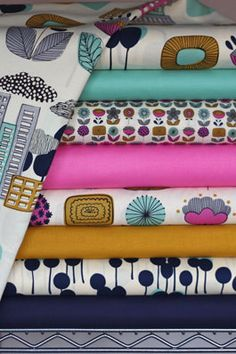 Great site for modern fabrics! Wish I knew what my sister was having. This would make the cutest blankets