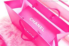 ♥ I love keeping all my v.s. bags and using them for carrying stuff. Am I the only one? Lol #weird.