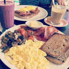 All day breakfast with scramble egg and bacon with blackberries smoothies Loc : Sea Circus - Bali - Indonesia