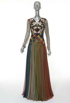 Fashion Style Buzz: From The Archives: Valentino, Retrospective Past/Present/Future