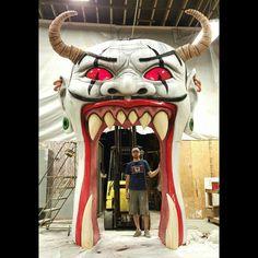Circus World which closes years ago Halloween Shops, Freak Show Halloween, Halloween Circus, Halloween Horror Nights, Halloween Displays, Holidays Halloween, Scary Halloween, Halloween Party, Scary Carnival