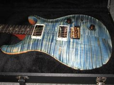 Paul Reed Smith Custom 22 Faded Blue Jean Tremolo New 10 Top Prs Guitar, Guitar Amp, Paul Reed Smith, Guitar Pics, 10 Top, Electric Guitars, Wicked, Porn, Artist