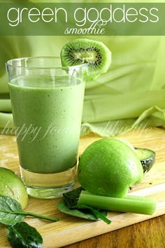 Green Goddess Smoothie - this delicious smoothie is full of a ton of fruits and veggies that will leave you feeling healthy and refreshed | Happy Food, Healthy Life