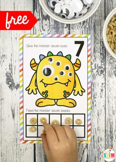 These playful counting mats put all of that excitement to great use – giving children practice with number recognition, counting AND ten frames with preschool and kindergarten kids! Numbers Preschool, Kindergarten Activities, Fun Math, Preschool Learning, Preschool Classroom, Preschool Halloween Activities, Math Math, Math Fractions, Monster Activities