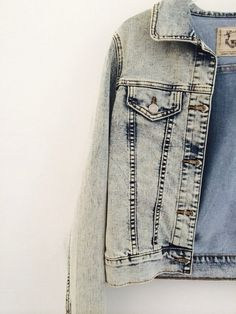 552d47f6 32 Best Denim Days // images | Flare leg jeans, Casual outfits, Clothing