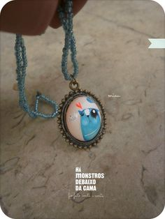 original necklaces handpainted and handmade. You can order worldwide hamonstrosdebaixodacama@gmail.com
