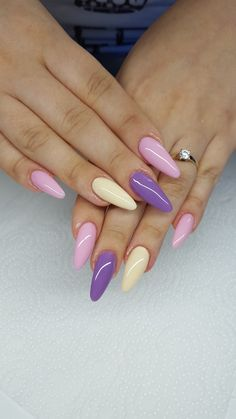 Stunning Designs for Almond Nails You Won't Resist; almond nails long or s… Over 70 stunning designs for almond nails that you will not resist; Almond nails long or short; Love Nails, Pink Nails, Pretty Nails, Pastel Nails, Almond Acrylic Nails, Cute Acrylic Nails, Art Nails, Nail Design Gold, Multicolored Nails
