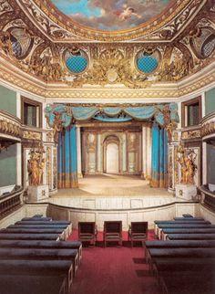 Marie Antoinette Tour  www.frenchtravelboutique.com