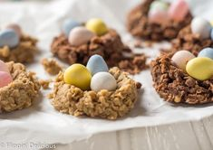 Vegan Gluten Free Birds Nest Cookies Recipe - Quick & easy gluten free no bake cookies shaped into birds nest cookies with mini eggs. A fun and fest treat perfect for spring and Easter. Gluten Free No Bake Cookies, Gluten Free Cookie Recipes, Vegan Dessert Recipes, Vegan Gluten Free, Paleo, Free Recipes, Bird Nest Cookies Recipe, Sugar Cookies Recipe, Drop Sugar Cookies