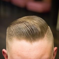 The men's side part haircut is one of the most elegant and classic hairstyles in history. Slick Hairstyles, Classic Hairstyles, Cool Haircuts, Haircuts For Men, Brylcreem Hairstyles, Gentleman Stil, Short Hair Cuts, Short Hair Styles, Gentleman Haircut